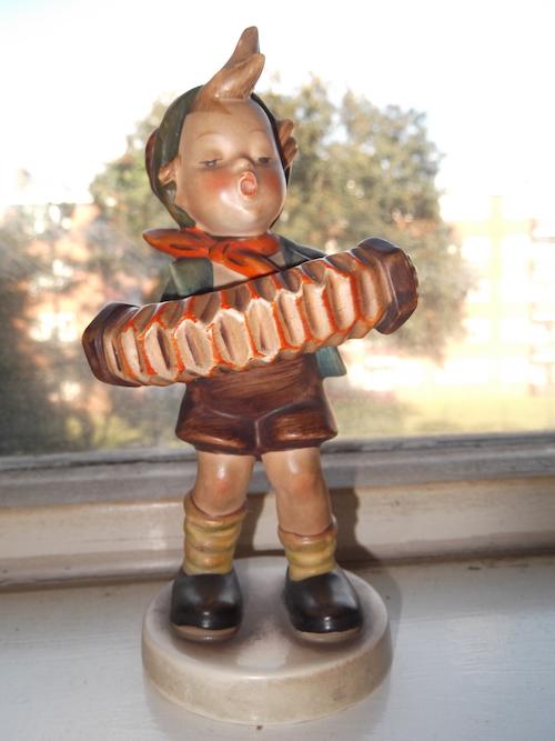 Hummel figurine 1