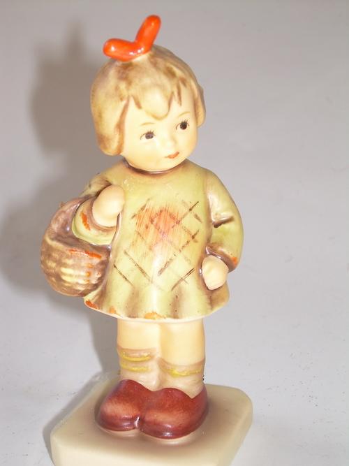 hummel figurine 2